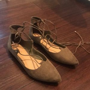 Old navy lace up, point flats